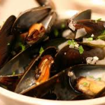 Julia Child Steamed Mussels